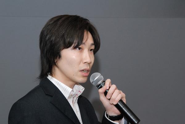 写真:WebSig24/7についてプレゼンする和田さん