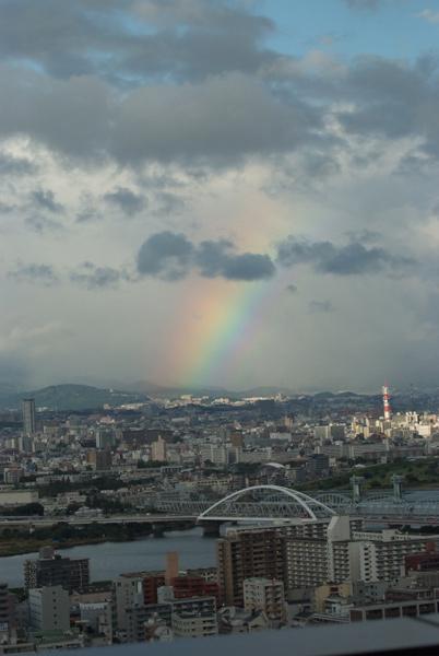 写真:窓から見えた大きな虹
